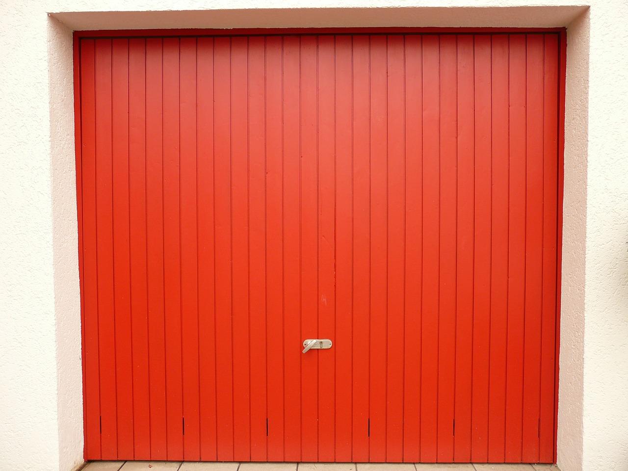 Quels sont les diff rents types de porte de garage la for Type de porte de garage