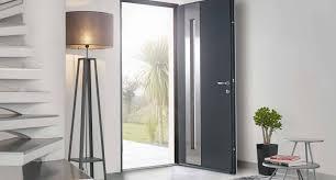 PVC, bois ou alu… choisir les matériaux de sa porte d'entrée