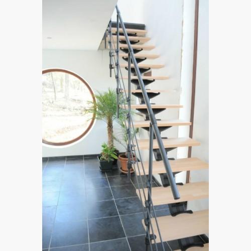 comment faire un escalier suspendu